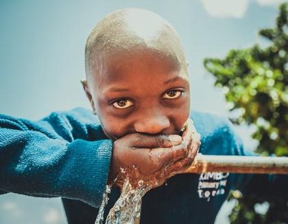 Schoon water voor Oeganda