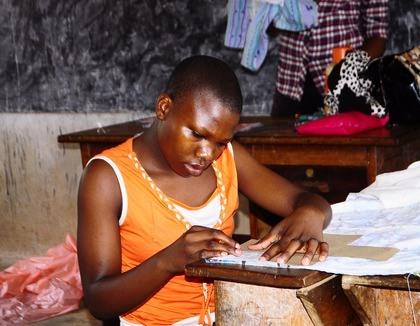 Afrikaanse meisjes nieuwe kansen bieden