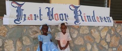 Haitiaanse meisjes naar school