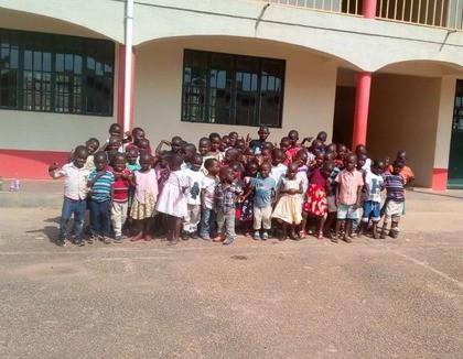 Voor het eerst naar school dankzij de donateurs van Hart voor Kinderen!