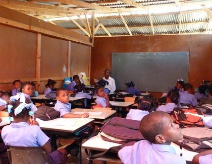 Naar school op Haïti